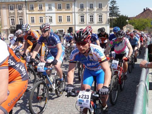 Trénujete chytře? Cyklistický tréninkový plán na květen VIII.:Jak trénovat v závodním období | obrázek
