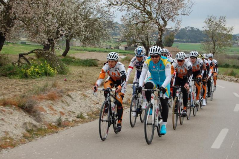Ani doprovody cyklistů se s námi na Mallorce nenudí! | obrázek