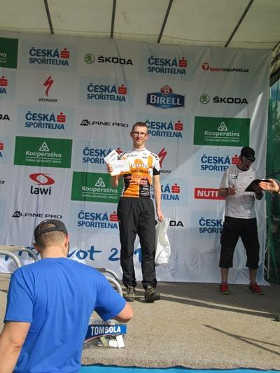 Je pěkné si jít jako Super Biker na pódium pro diplom, já chci příště medaili!  | obrázek