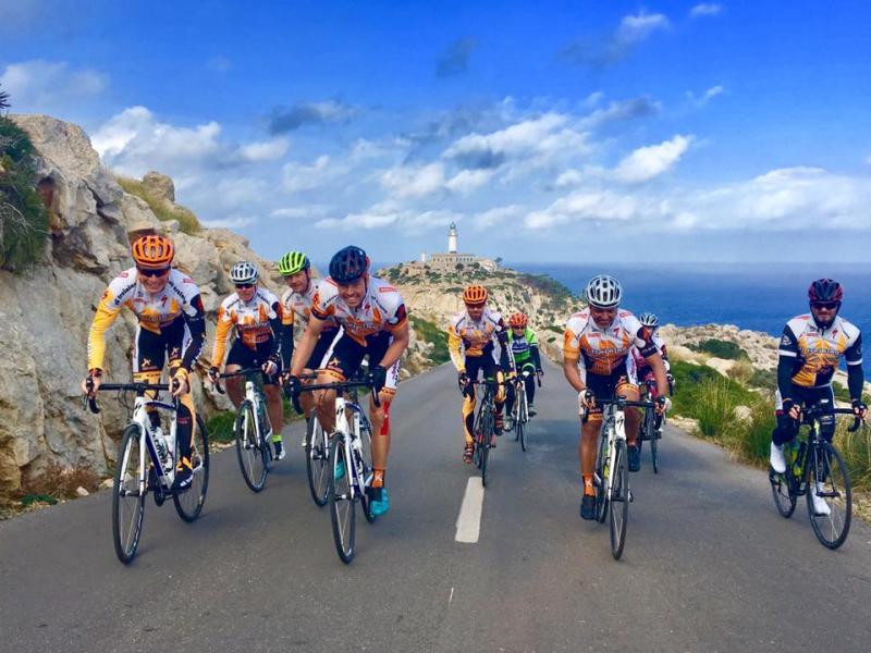 Mallorské listopadové dny plné slunce Mallorce ukončily letošní cyklistickou sezónu | obrázek