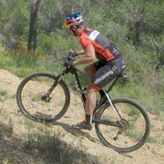 Poloha jezdce na horském kole