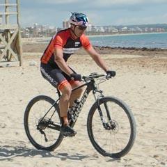 Jízda na horském kole po nestabilním povrchu
